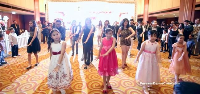 flashmob wedding